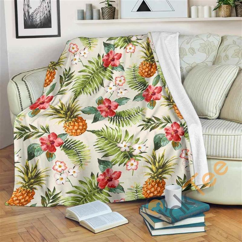 White Aloha Pineapple Pattern Premium Fleece Blanket