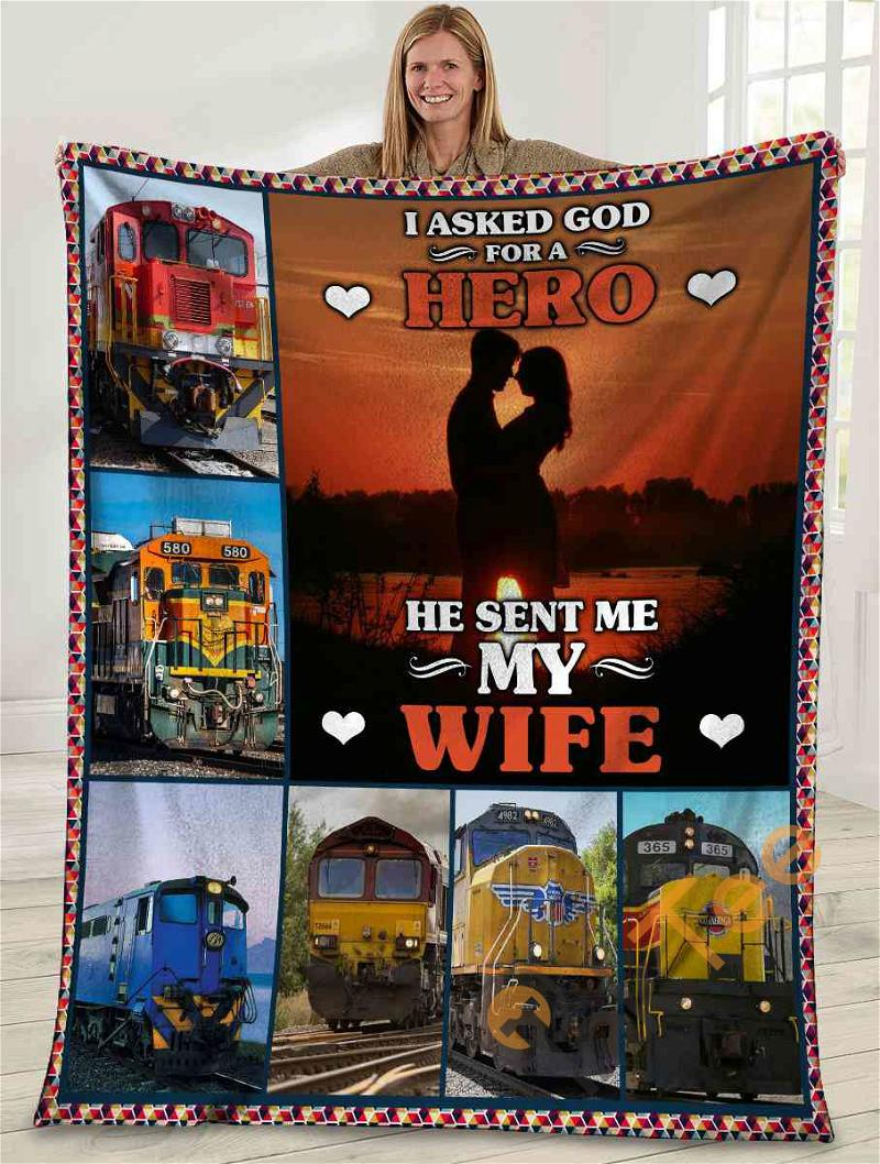 I Asked God For A Hero He Sent Me My Wife Husband And Wife Sunset Ultra Soft Cozy Plush Fleece Blanket